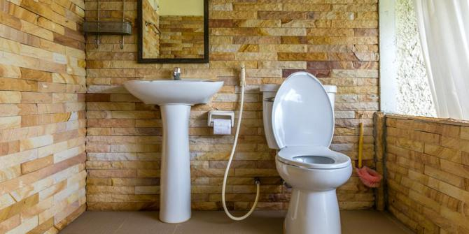 Jasa Cleaning Kamar Mandi Toilet di Solo